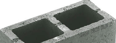 coderen-op-betonnen-steen