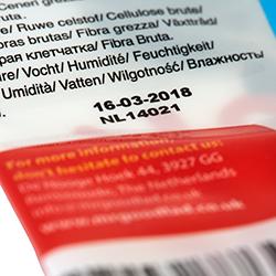 Produktmarkierung bzw. Produktcodierung aufgebracht mit dem QIC 107i – intermettierendem Thermodrucker bzw Thermotransferdrucker für Folien. Von Kortho Kennzeichnungssysteme - Paderborn – Deutschland : Beispiel 1