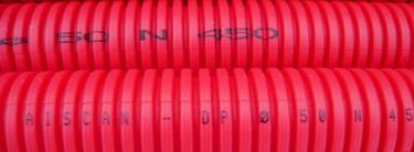 printen-op-hard-kunststof-met-kleinkarakter-injetprinter-CIJ-op-flexibele-buizen