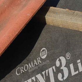 Kortho-Rolcoder-printen-logo-op-eindloos-dakbedekkings-materiaal-G